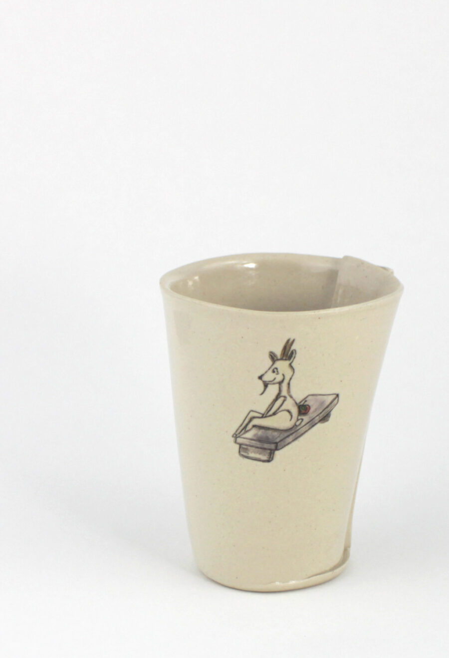 kaffeebecher-mit-ziege-am-viehtheater-my-deer-illustrated-ceramics