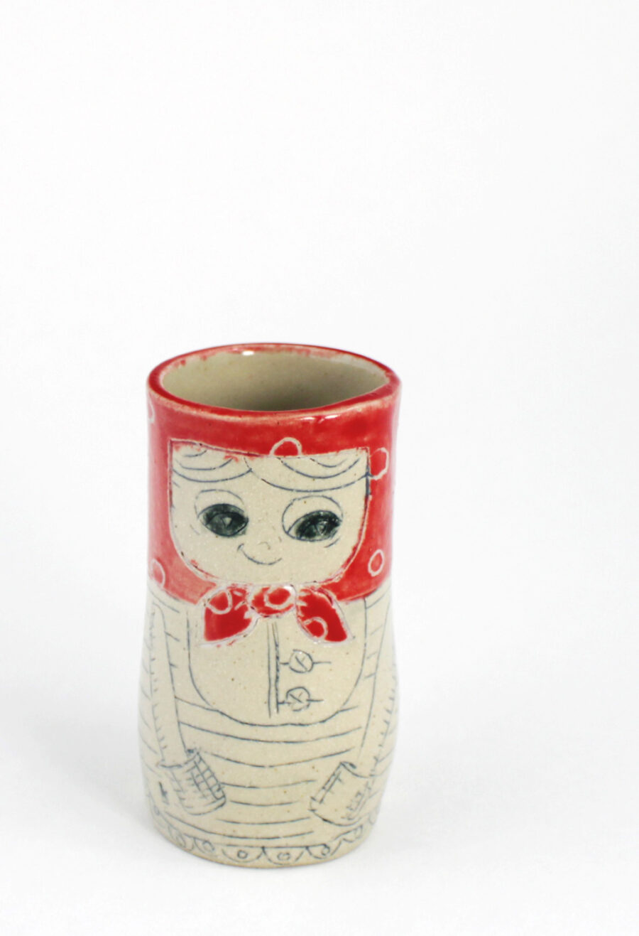 kleine-vase-matroschka-rotes-kopftuch-punkte-my-deer-illustrated-ceramics