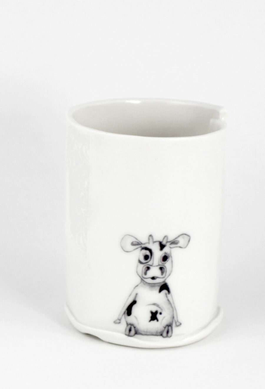 modernes-design-porzellanbecher-kuh-cow-illustration-mm-am-viehtheater-my_deer-illustrated-ceramics